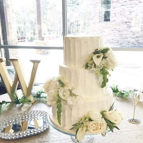 Wide Vertical Textured Buttercream Lines & Fresh Flowers